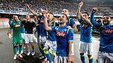 هدف متأخر يمنح نابولي الفوز على ليفربول والصدارة