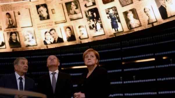"""Merkel évoque à Jérusalem la """"responsabilité perpétuelle"""" face à l'antisémitisme"""