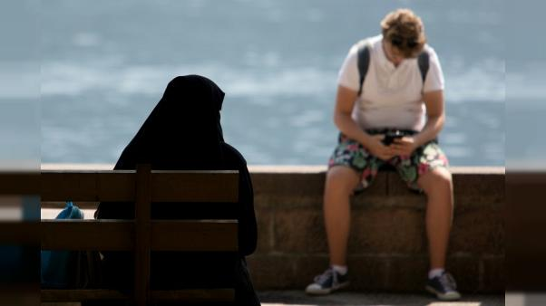 """Quand l'interdiction du voile intégral embarrasse le """"paradis"""" alpin des touristes arabes"""