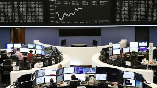 أسهم أوروبا تتكبد أكبر خسارة في شهر بعد ارتفاع عوائد السندات