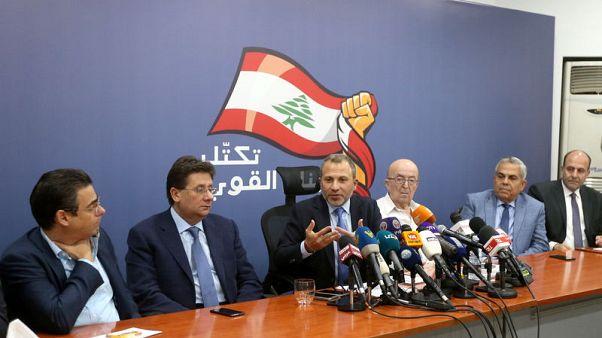 تراشق كلامي بين المسيحيين في لبنان يقلل من التفاؤل بشأن تشكيل الحكومة