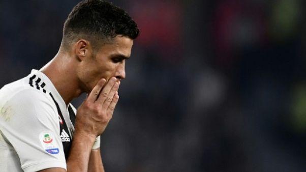 """Ronaldo accusé de viol: les sponsors préoccupés, l'attaquant """"prêt à jouer"""""""