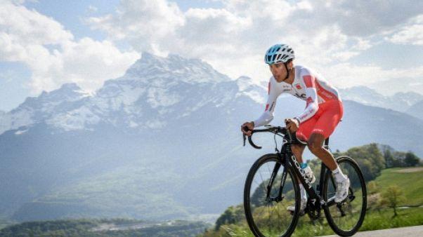 Cyclisme: Bernal recourt samedi et prolonge de cinq ans chez Sky