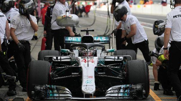 Giappone: pole Hamilton, Vettel solo 9/o