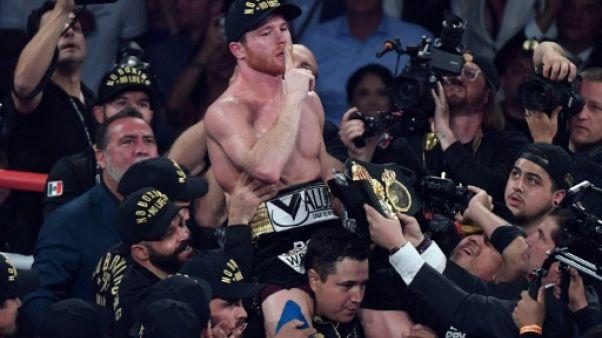 Boxe: Canelo Alvarez défie le tenant Rocky Fielding en super-moyens WBA