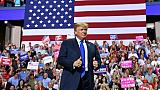 A un mois des législatives américaines, Trump au coeur du scrutin
