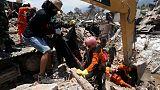فتاة من الكشافة من بين 34 جثة جديدة انتشلت من حطام زلزال إندونيسيا