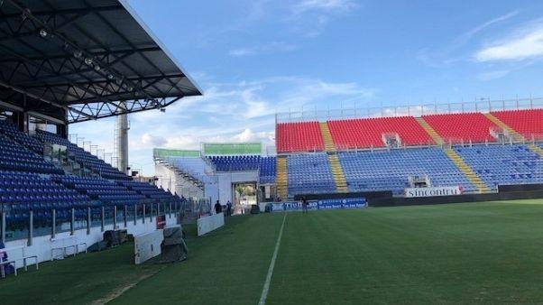 Cagliari-Bologna, scontri tra tifosi