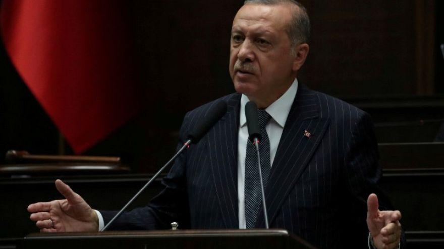 """إردوغان يتوعد بفرض """"غرامات"""" على التجار """"الانتهازين"""" الذين يرفعون الأسعار"""
