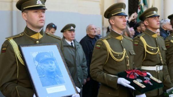 Lituanie: funérailles d'un héros de la résistance anti-soviétique