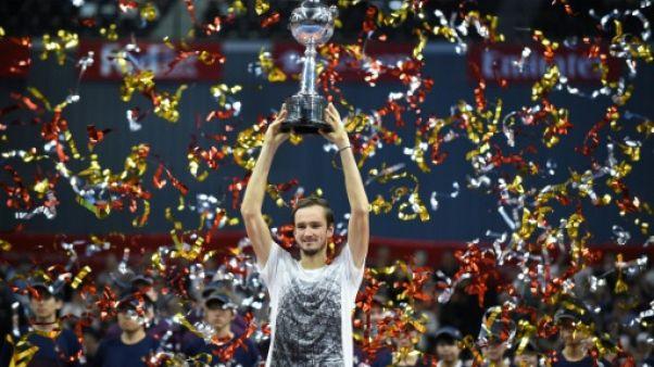 Tennis: Medvedev s'offre, à Tokyo, son premier grand titre et Nishikori