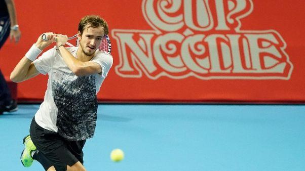 Nishikori ko, Medvedev vince Open Tokyo