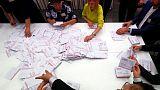 الناخبون الغاضبون في لاتفيا يختارون وجوها جديدة للبرلمان