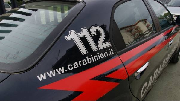 Tenta uccidere figli a Taranto,arrestato