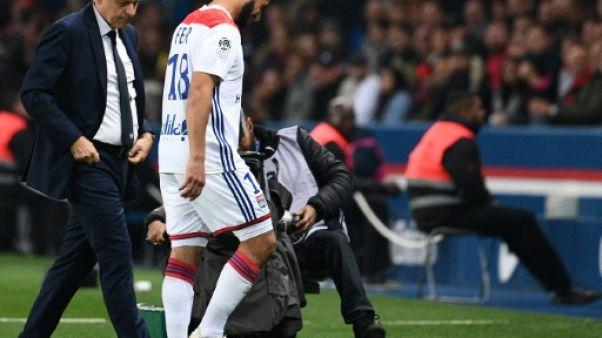 L1: Fekir sort blessé au début du choc contre le PSG