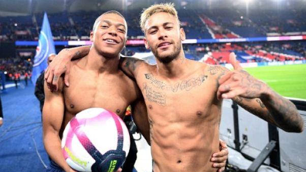 L1: Mbappé mange du Lyon et offre à Paris un record