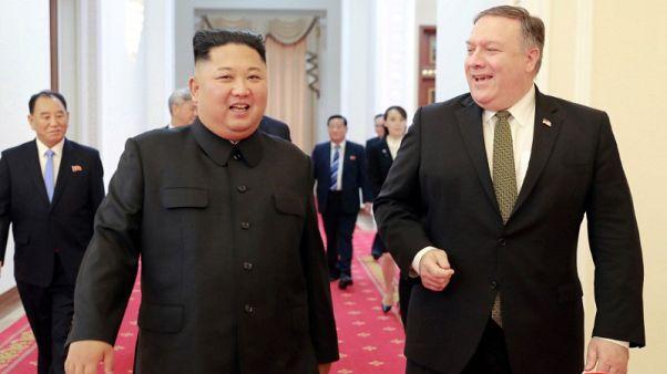 بومبيو يقول إن كيم جونج أون مستعد للسماح لمفتشين بدخول المواقع النووية والصاروخية