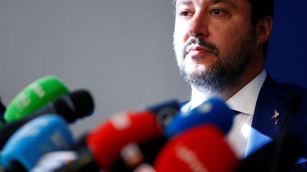 سالفيني: رئيس المفوضية الأوروبية والمفوض الاقتصادي أعداء لأوروبا