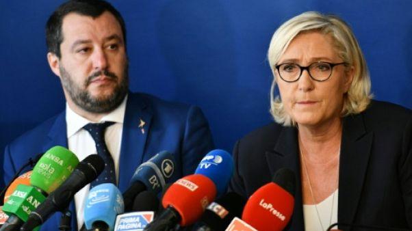 Marine Le Pen prend ses distances avec Steve Bannon