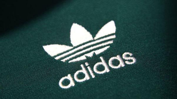 ارسنال يوقع عقدا لخمس سنوات مع اديداس لتزويده بملابس الفريق