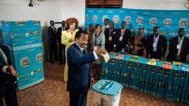 """Présidentielle/Cameroun: Maurice Kamto clame victoire, se met """"hors-la-loi"""", selon le pouvoir"""