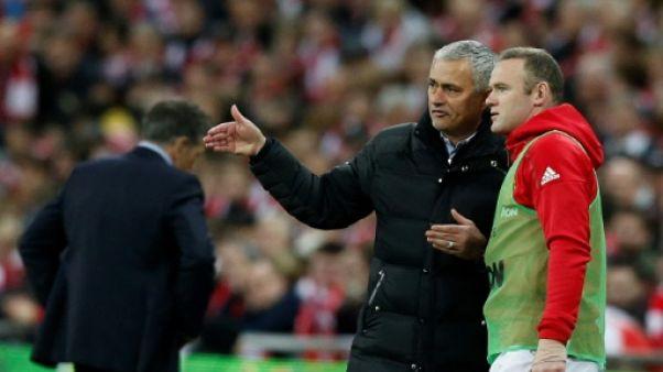 "Angleterre - Manchester United: ""Les joueurs doivent relever la tête"", dit Rooney"