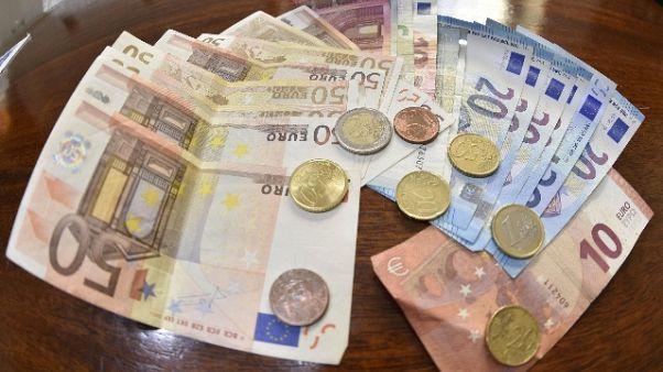 Sottrae denaro a malati, nei guai legale