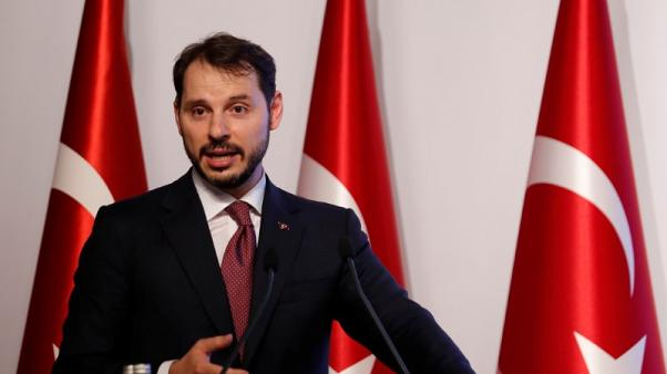 ألبيرق: القطاع الخاص التركي يوافق على خفض الأسعار 10%