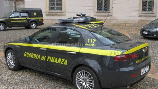 Falsi incidenti e truffe, arresti Gdf