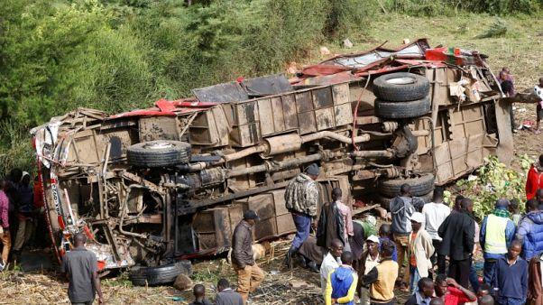 الشرطة: مقتل 50 على الأقل في انقلاب حافلة بكينيا