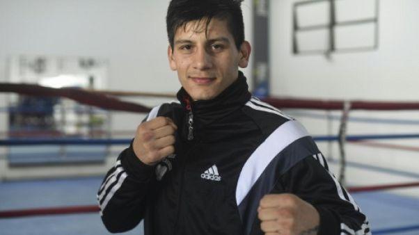 JOJ: sortir de la pauvreté à coups de poings, le rêve du boxeur Brian Arregui
