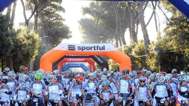 Ciclismo, a Roma la Granfondo Campagnolo