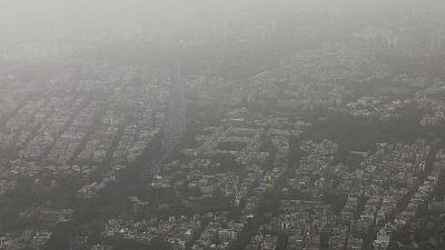 Indian doctors urge delay of Delhi marathon as pollution surges