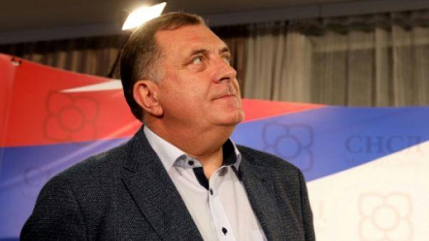 """Serbes de Bosnie: l'opposition dénonce un """"vol brutal"""" du scrutin"""