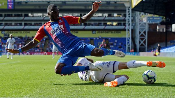 Palace striker Benteke undergoes knee surgery