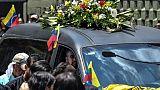 Venezuela: des centaines de personnes enterrent l'opposant Fernando Alban, mort en prison