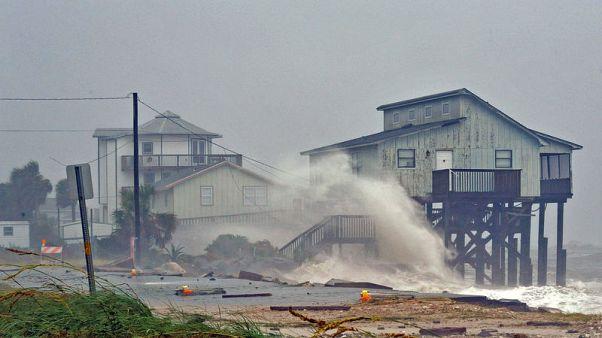مركز: الإعصار مايكل يضعف ويتحول إلى عاصفة مدارية
