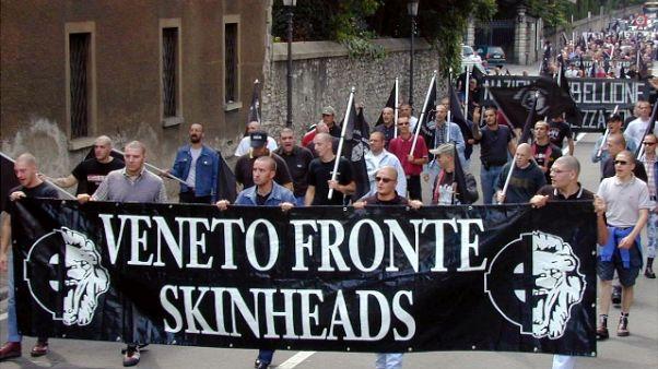 A Brescia foglio di via per 4 skinhead