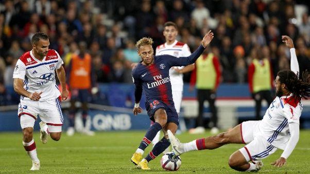 Le Monde, troppo divario nel calcio