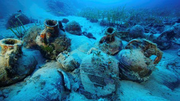 حطام سفن غارقة في اليونان يروي قصة التجارة في العصور القديمة