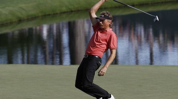 Langer, at 61, refuses to acknowledge Father Time