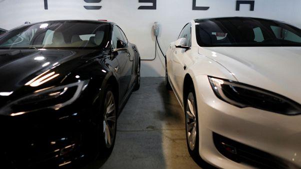 Tesla makes 7,400 Model 3s so far in Oct - Electrek