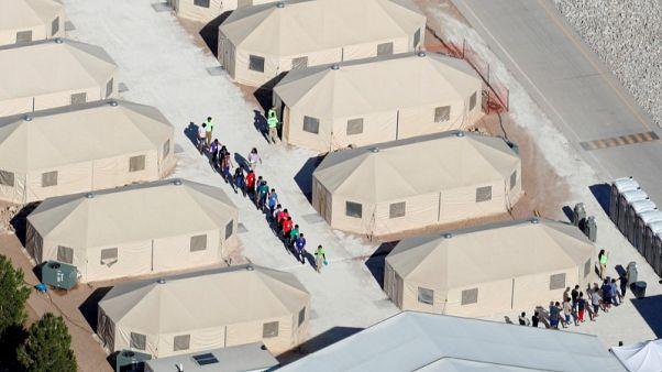 خيام الأطفال المهاجرين في تكساس الأمريكية.. تنمو