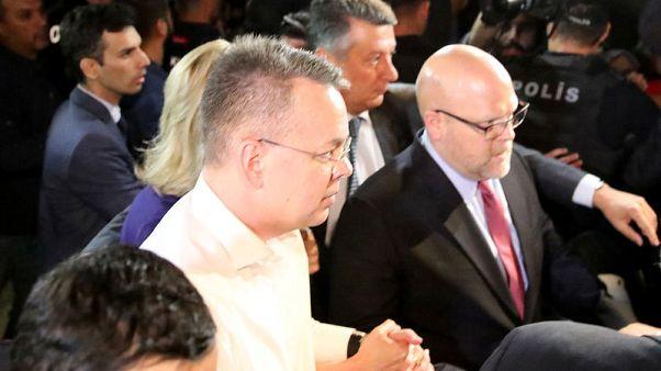 القس الأمريكي برانسون يصل واشنطن بعد إطلاق سراحه في تركيا