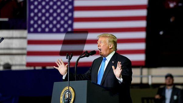 ترامب يقول فصل العائلات المهاجرة يردع الهجرة غير المشروعة