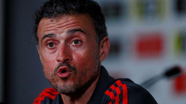 لويس إنريكي مدرب إسبانيا يكيل المديح لنظيره ساوثجيت