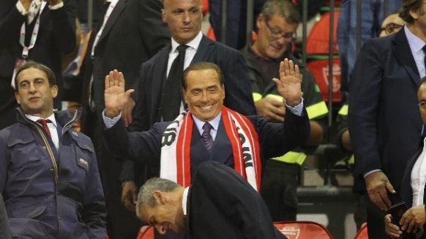 Calcio: Brianteo in piedi per Berlusconi