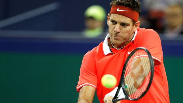 Tennis - Del Potro suffers fractured kneecap after fall