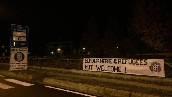 Val Susa, striscione protesta CasaPound