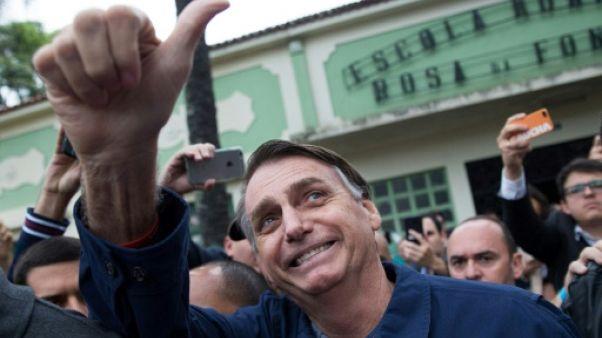 Présidentielle au Brésil: Bolsonaro confirme sa nette avance